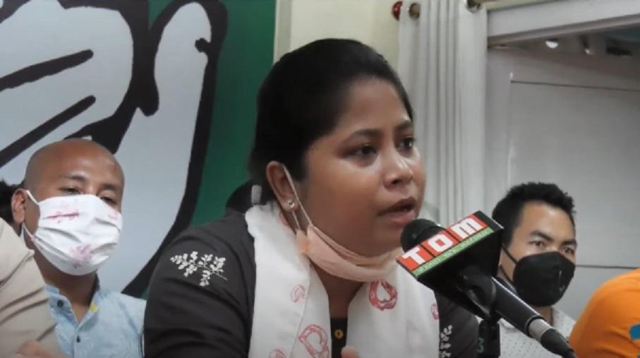 IYC secretary Sarifa Rahman addressing media in Imphal on Monday